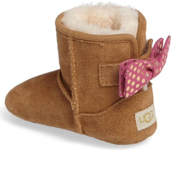 475856f5215 UGG Baby Jesse Bow II Dots Boot - Size Large (4/5)